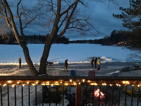 Fall & Winter Getaway at Large Lakefront Cottage!