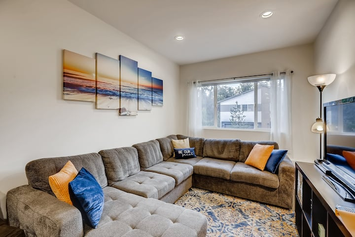 Cozy South Seattle Guest Suite (By Kubota Gardens)