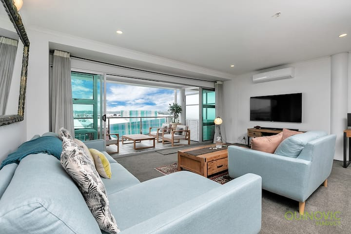 QV Spacious Waterfront 2 Bedroom Apartment - (791)