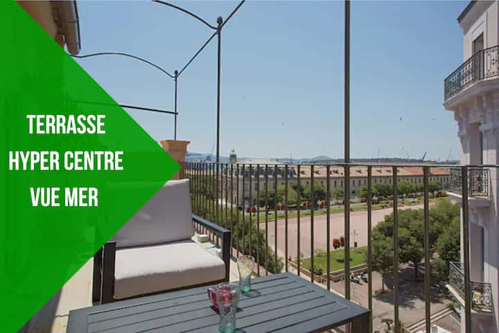 Centre historique appartement  terrasse vue mer