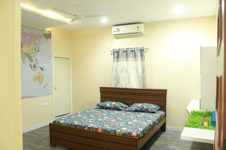 Bed Room -Three- King Size