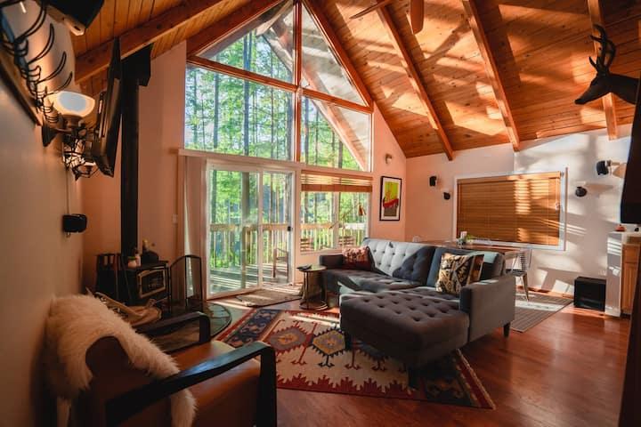 Serene Lake-front A-Frame Cabin (1 bed + Loft)