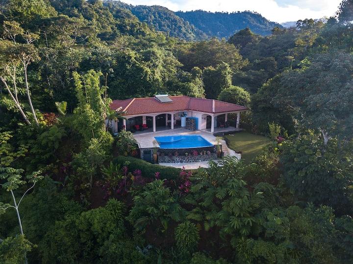 Casa Flores y Ballenas natural paradise