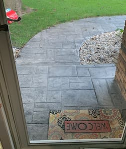 Wide entrance into home