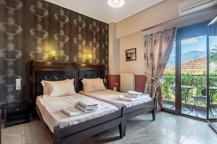 Toti | Twin Room | Mountain View [15 m²]