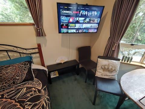 Cozy Retreat in a Magical Countryside En Suite