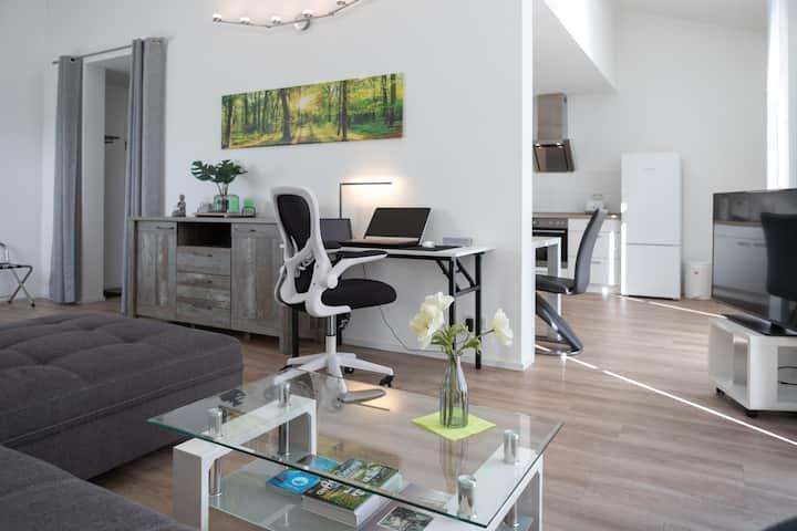 Modernes 50 qm Apartment in Wuppertal & Parkplatz