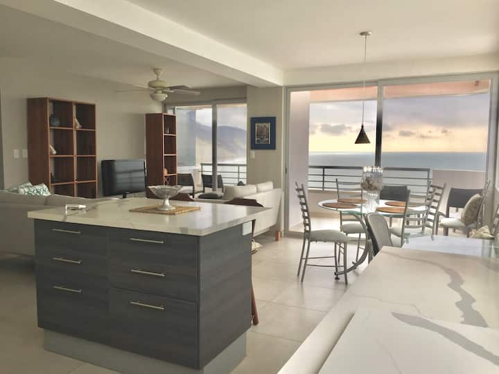 8th Floor with Endless Ocean Views & Sunsets!!