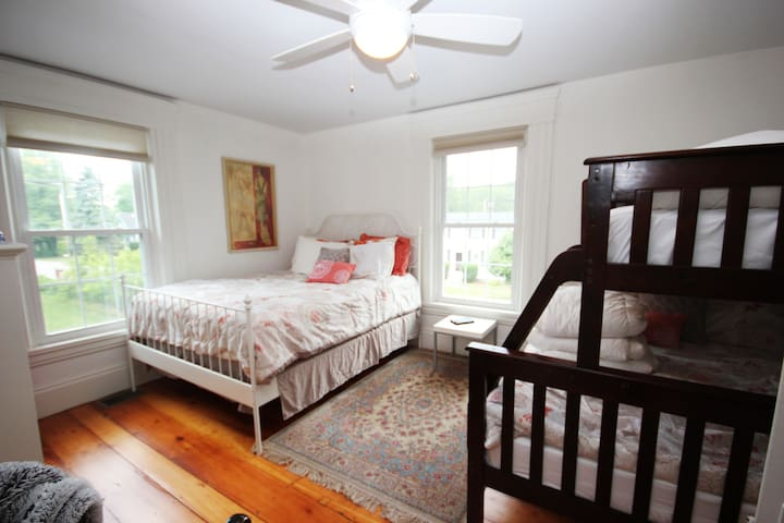 Sleeps 5 for the slumber party; kids love this room to hang out and catch up all through the night. Haven't seen each other for a while and still don't want to go to bed!  5 of you can stay up all night and catch up.
