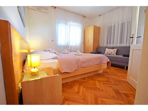 Adriana-double room with bathroom and balcony