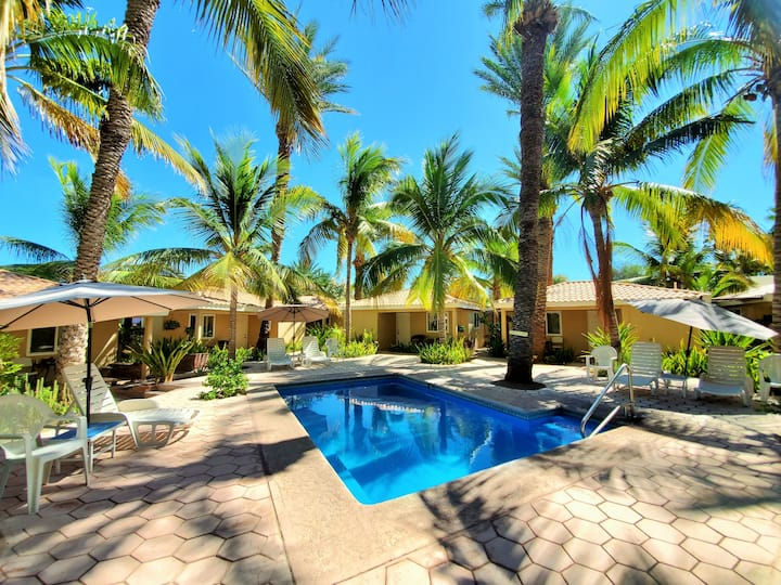 Coco Cabana #8 - Quiet, Pools, Close to Downtown