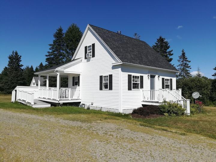 Pleasant Cottage in Columbia Falls