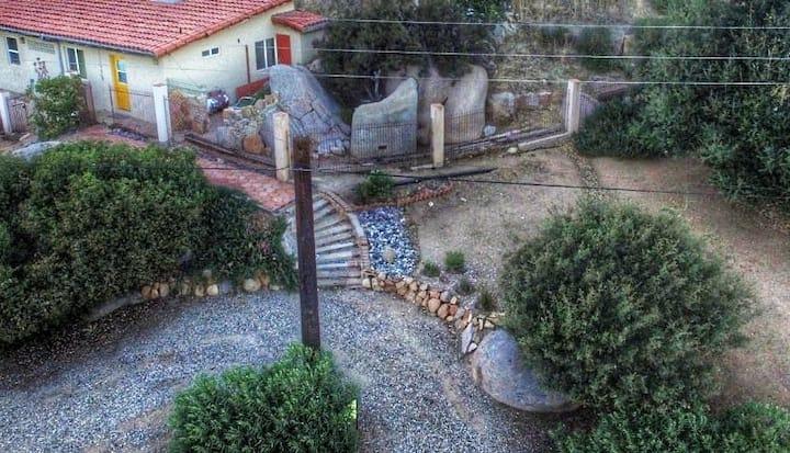 La Casita de la Torre Azul en Rancho Tecate