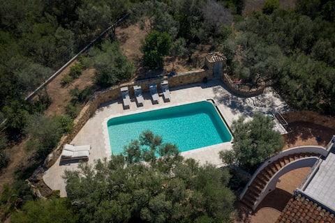 Villa Brunilde with private pool