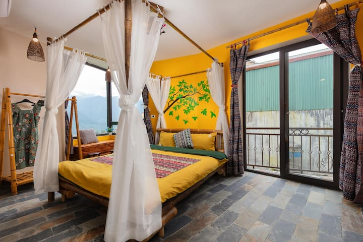 Private room in Central with Mega View Homestay