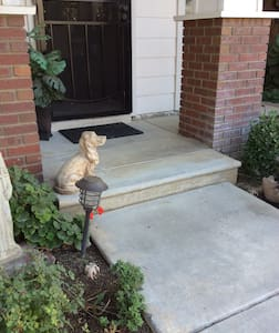 From the street or driveway parking you have one step to front pouch and one small step to enter house.