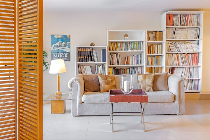 Living room , Cozy , Library