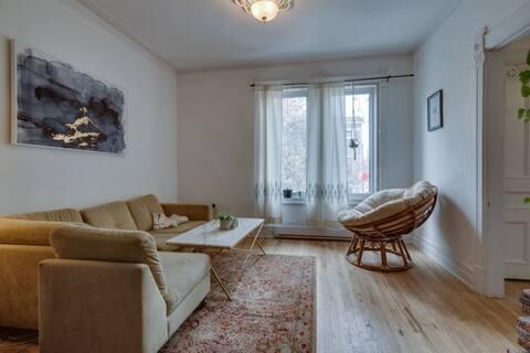 Grand appartement centenaire dans le vibrant HOMA