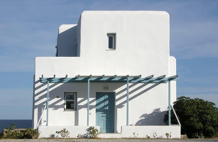 """Naxos """"Moize"""" House"""