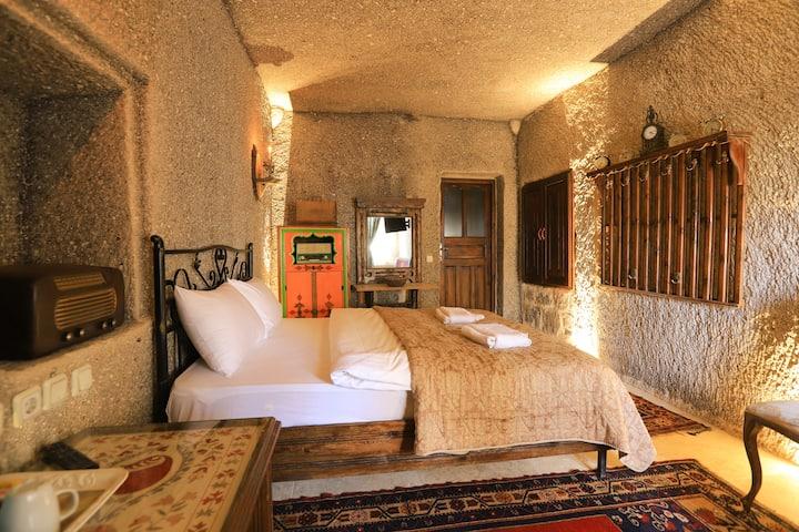 Antique Terrace , Panoramic  Cave Room+ Breakfast