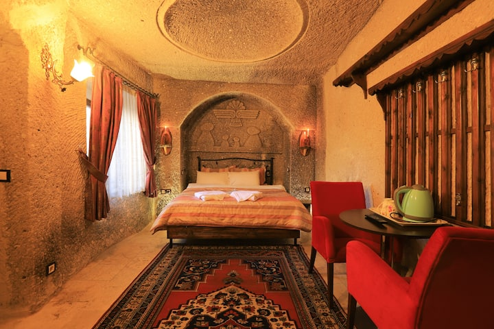 Antique Terrace Suites, Classic Suite Cave Room
