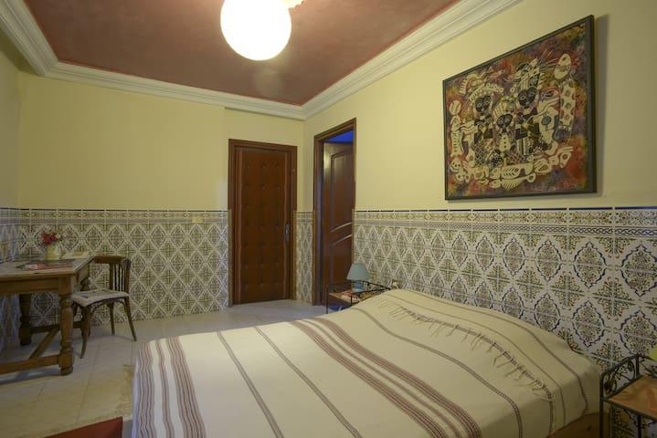 La chambre à coucher de la suite  Yasmine 1