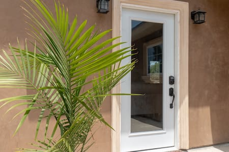 "There are no steps to the 36"" wide front door. The back doors can also be accessed around the side with no steps."