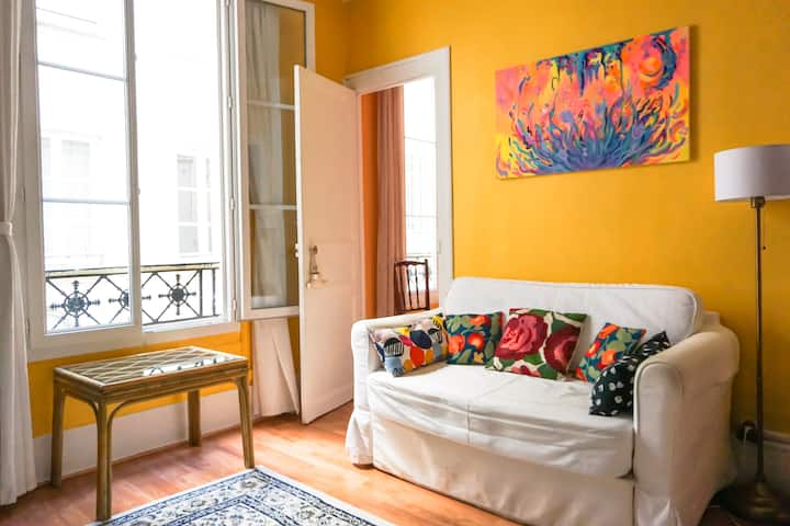 Stylish Parisian Apartment, Central and renovated!