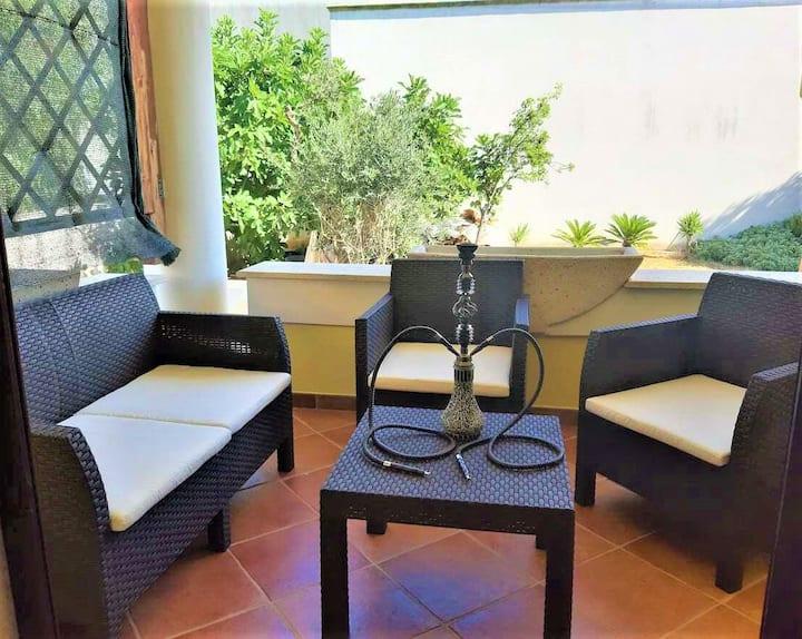 Large room, jacuzzi and terrace, 15min Gallipoli