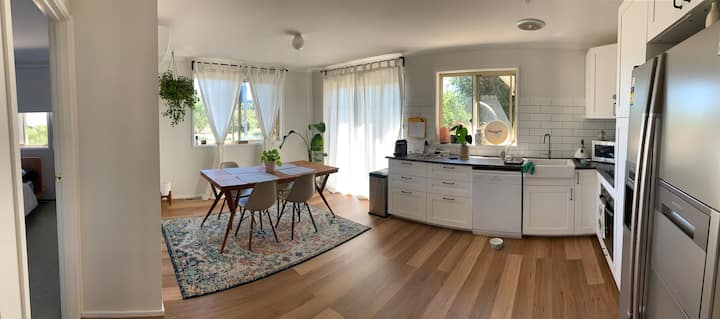 Townhouse in Bruce, Canberra, central location