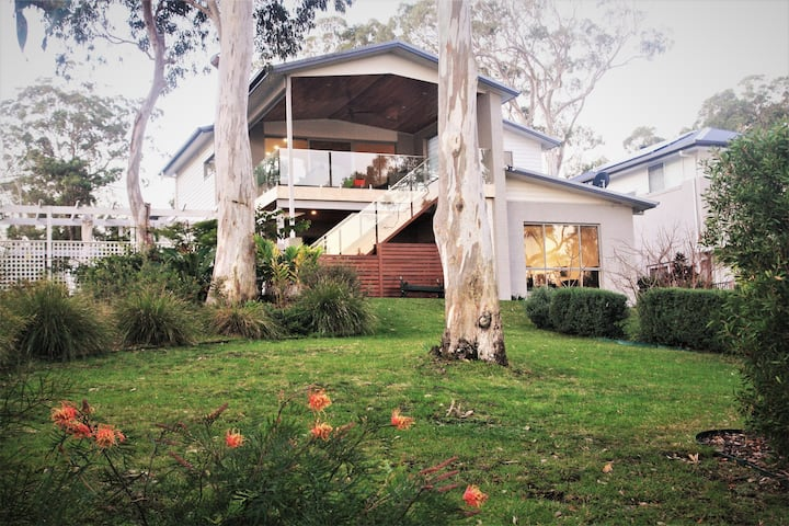 The LakeHouse BnB on Lake Macquarie, Murrays Beach