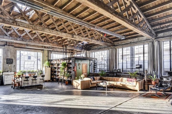 Large Sunny Industrial Loft - ODR Studios