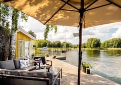 Guest+house+with+sauna+by+the+lake%2C+close+to+Sthlm