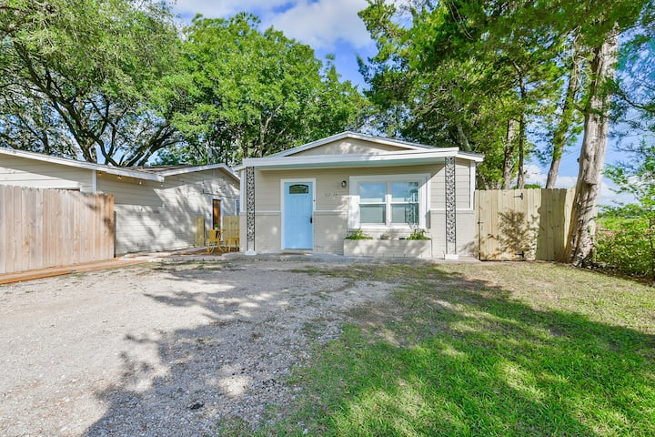 ♥Pineapple Cottage♥Close to Kemah+JSC/BBQ+Fire Pit