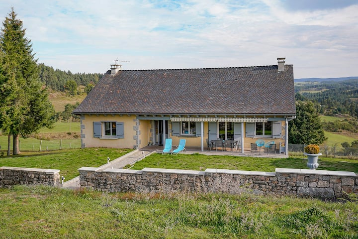 La Maison  du Rocher  spacieuse avec spa privatif