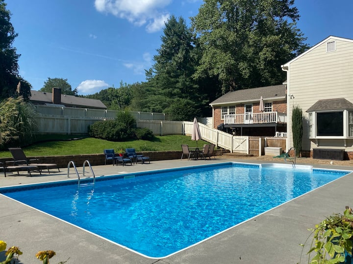 Family Retreat with Pool, 1 Mile from Liberty U