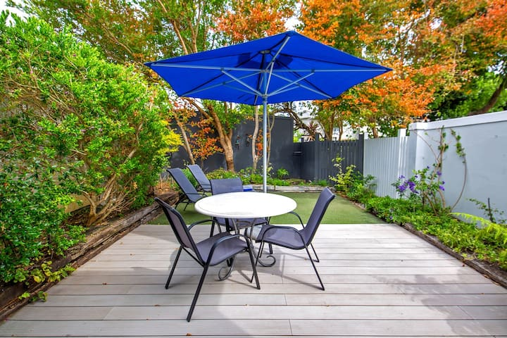 Sam Suite Private Garden