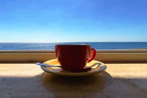 Cosy Apartment, right on the sea, Puglia-Salento.