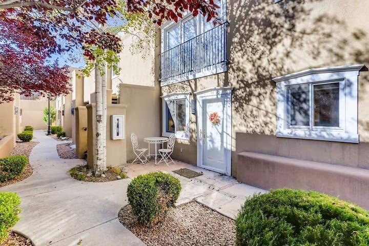 Casa de Rose Santa Fe Condo: 10 min walk to Plaza