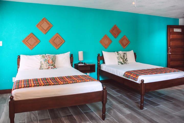 Gold Standard Certified Quad Room (2dbl bed)