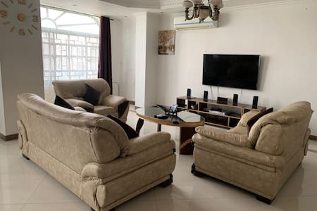 Cozy 2 Bedroom Apartment -Upanga, Dar Es Salaam