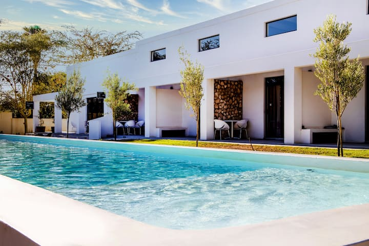 Karoo Retreat Self-catering Villas with Pool