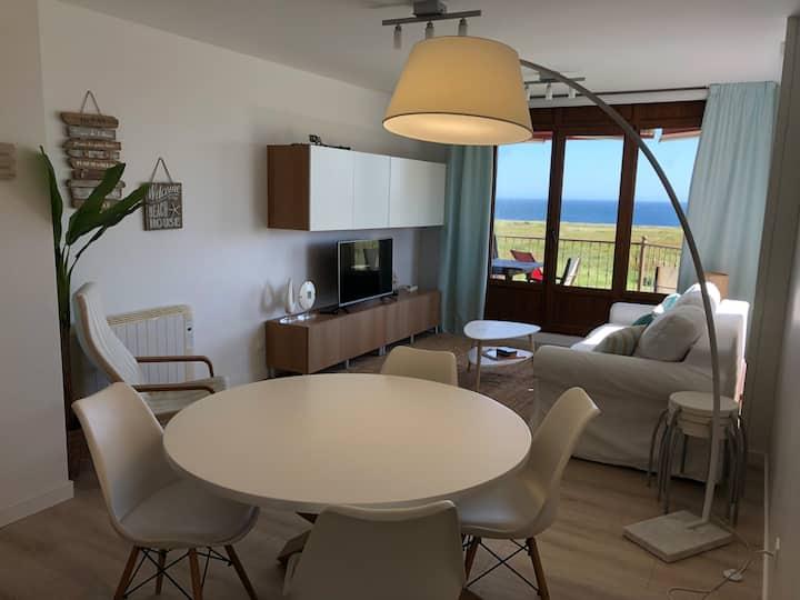 Bonito Apartamento con terraza y vistas al mar