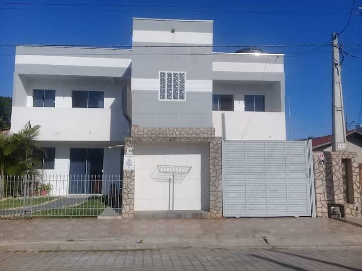 Apartamento   Próximo ao Parque Beto  Carrero 01