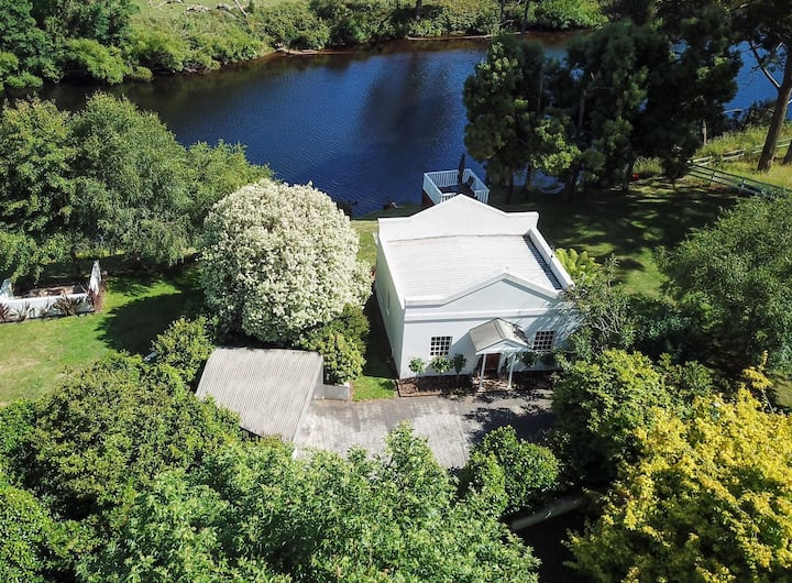 Forth River Cottage-Bed and Breakfast by the river