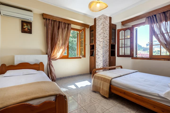 San Giorgio | Triple Room | Meteora View [21 m²]