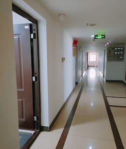 明亮的无障碍门廊