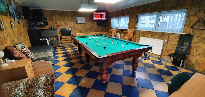 Cosy House Billiard