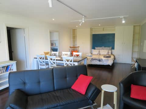 Near Flinders Uni/FMC - Private Studio with it all