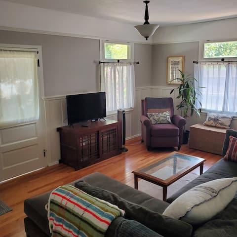 South Pasadena 1-Bed Cottage Prime Location